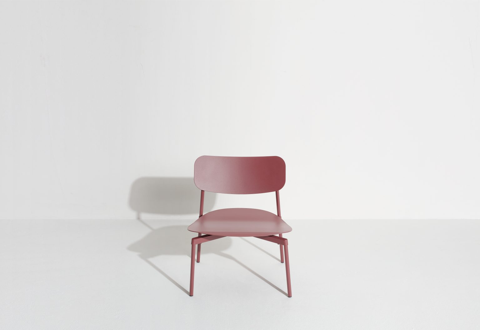 Biennale Interieur - Belgium's leading design and interior event - M0810302_fromme_lounge_chair_brownred_©pf_packshot_hd.jpg