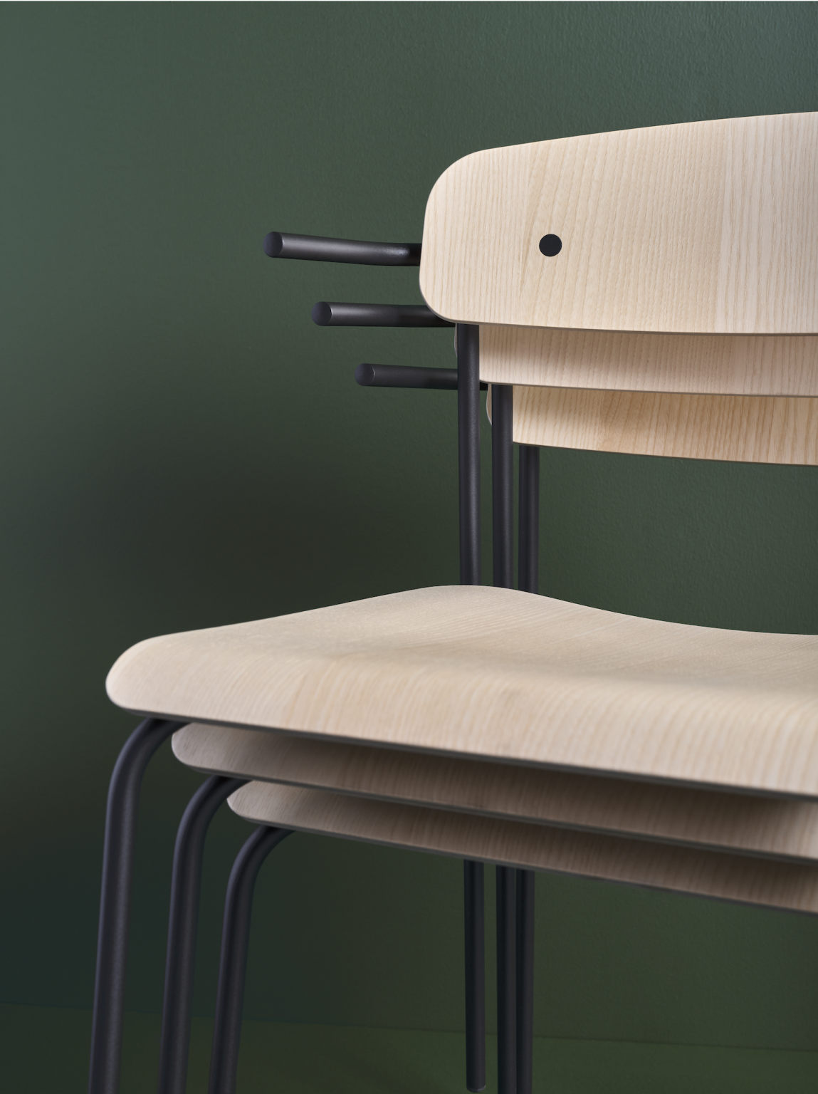 Biennale Interieur - Belgium's leading design and interior event - Peak-chair-ash-stackable.png