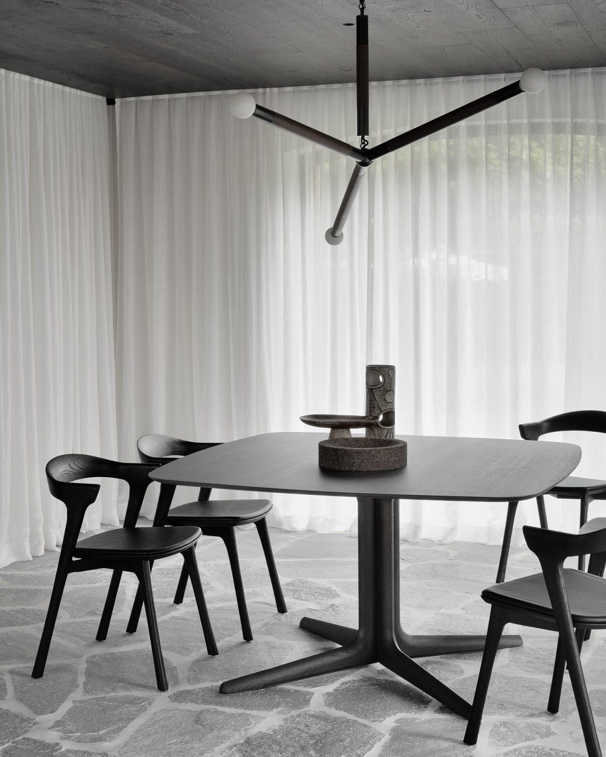 Biennale Interieur - Belgium's leading design and interior event - 50995_oak_brown_corto_dining_table_51492_oak_black_bok_chair_black_leather_3_web.jpg