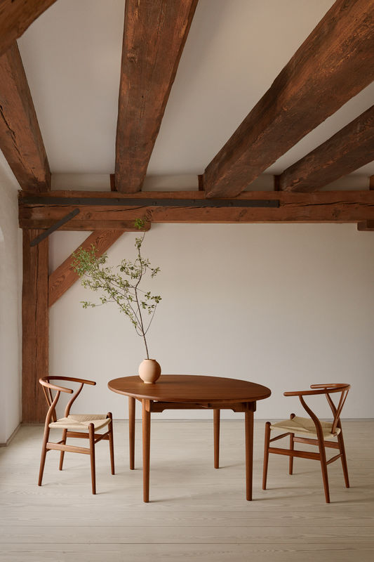 Biennale Interieur - Belgium's leading design and interior event - Ch24_mahogany_oil_ch337_mahogany_oil_80280041-small.jpg