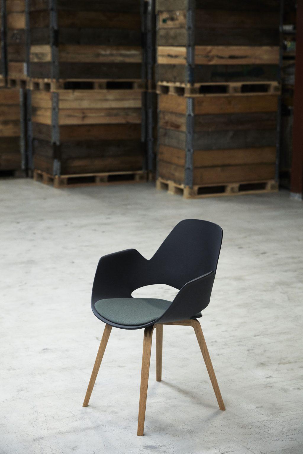 Biennale Interieur - Belgium's leading design and interior event - Falkchair_oak_04_low-res_houe.jpg