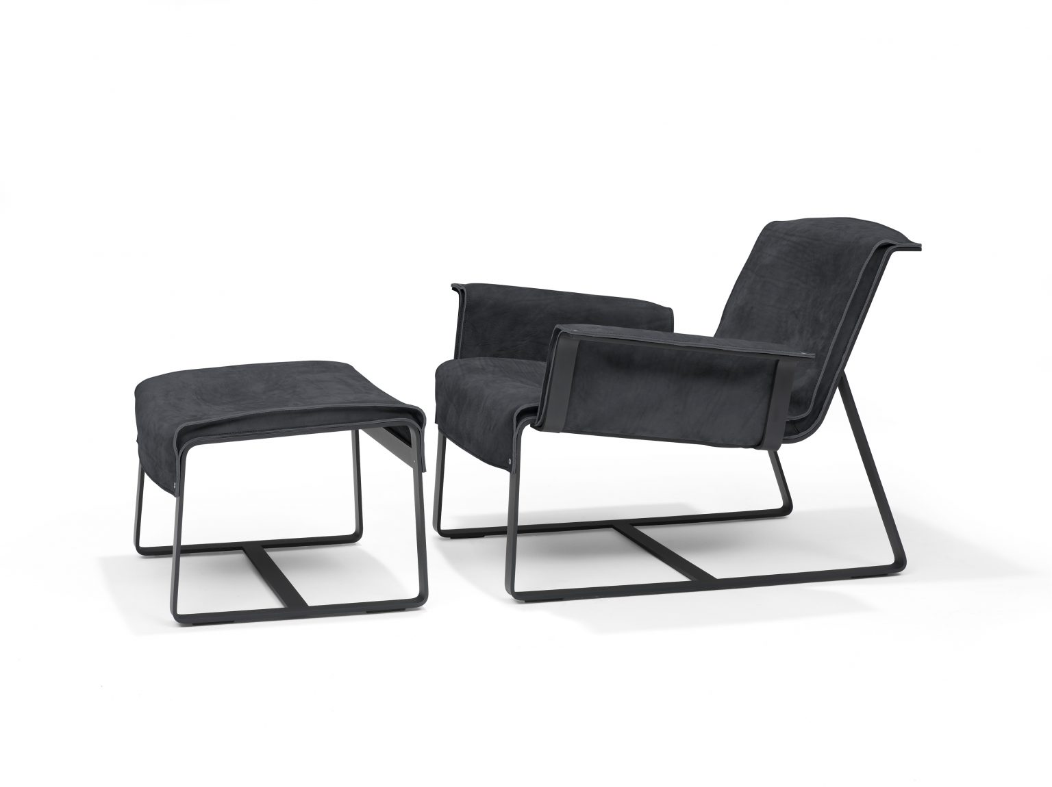 Biennale Interieur - Belgium's leading design and interior event - Founded-lounge-chair-anthracite-2arm-ottoman.jpg