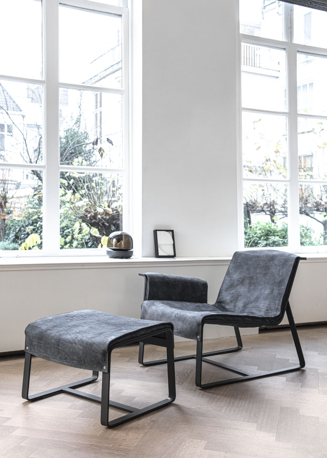 Biennale Interieur - Belgium's leading design and interior event - Founded-loungechair-anthracite-1.jpg