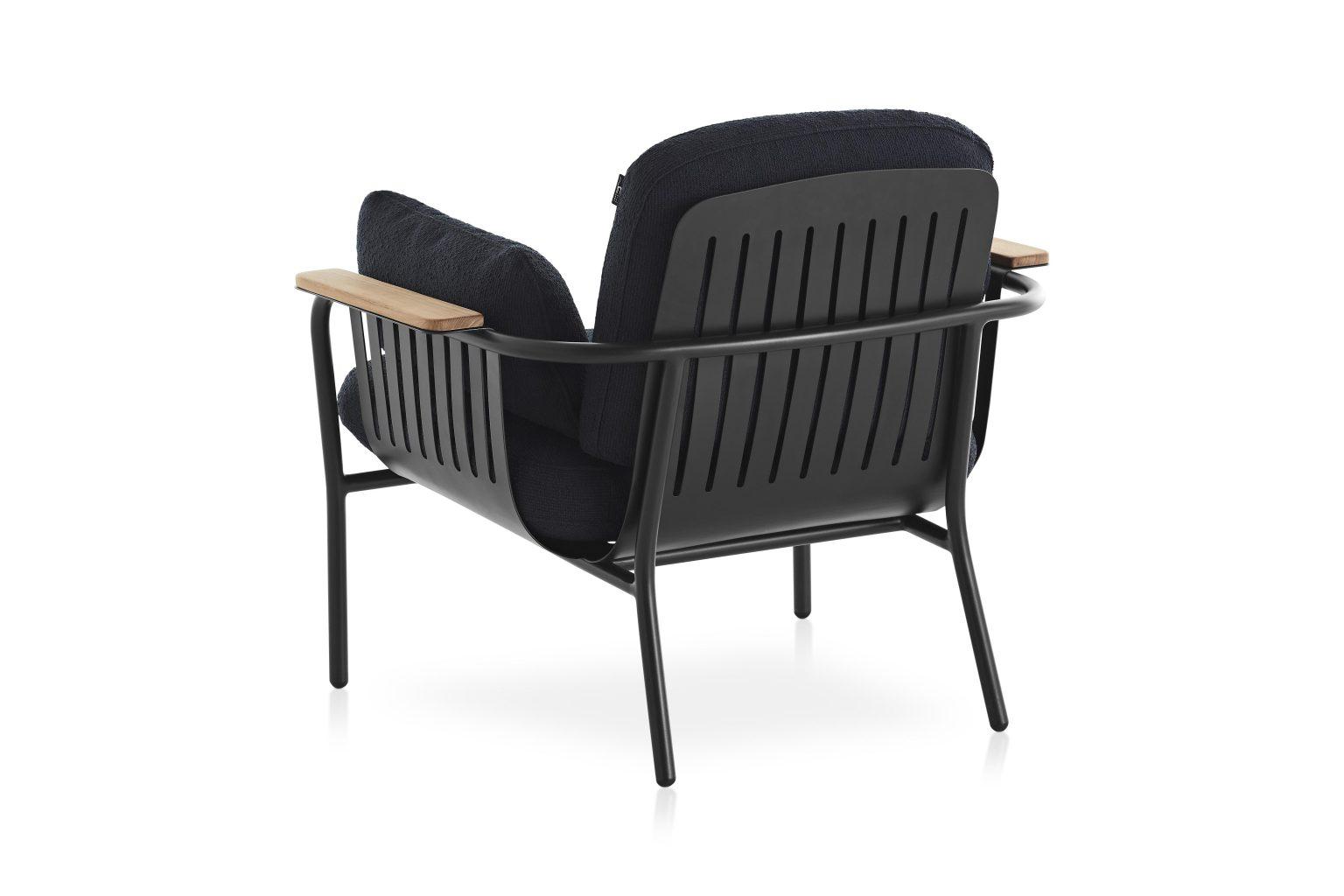 Biennale Interieur - Belgium's leading design and interior event - Capa-lounge-chair-black-atlas-plain-45-back.jpg